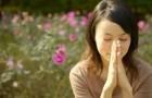nice girl praying