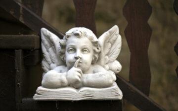 Come Quietare la Mente per Sentire gli Angeli