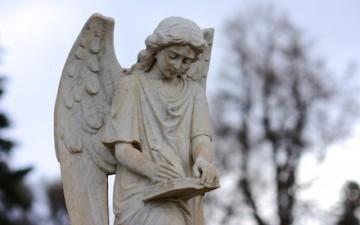 Angeli, Santi e Preghiere per gli Studenti